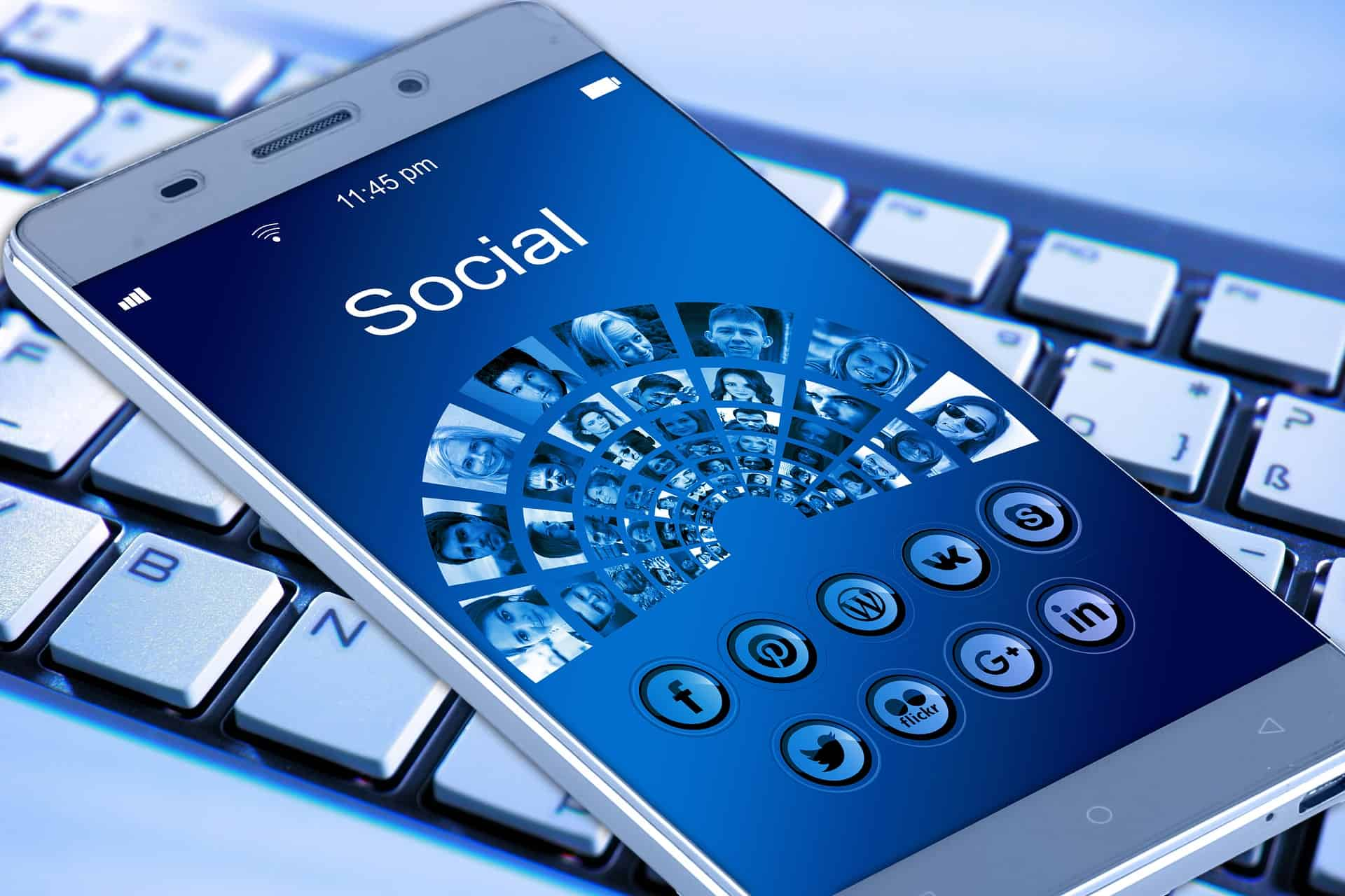 mobile-phone-1917737_1920 8 Tips For Keeping Your Business Up to Date